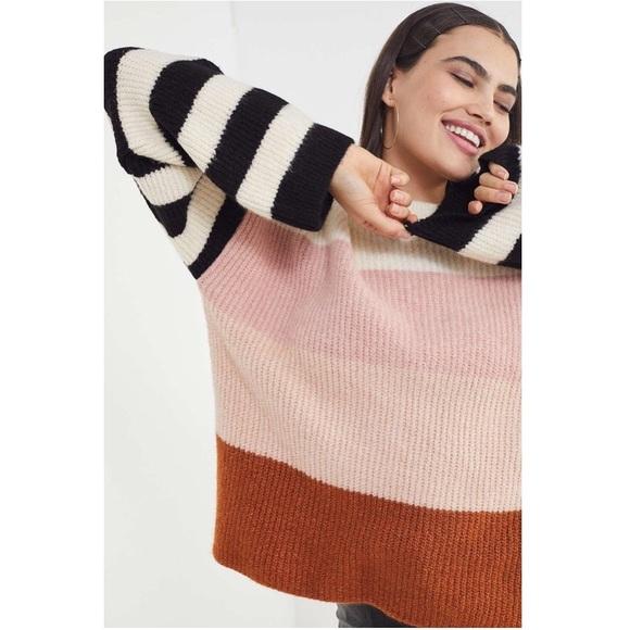 cc15dd990 Urban Outfitters Caroline Striped Sweater. M 5c6ec8e9c89e1d2df1bbef0a